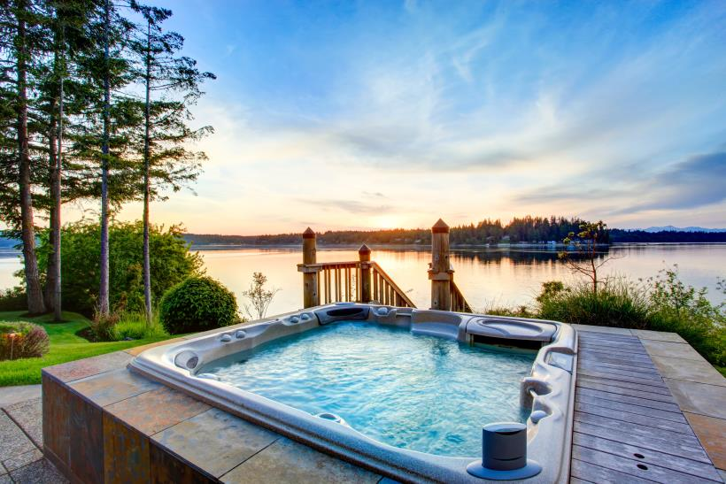 Hot Tub with a Spectacular View