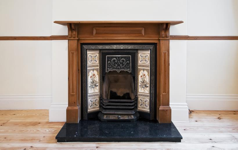 Example of a Vintage / Modern fireplace